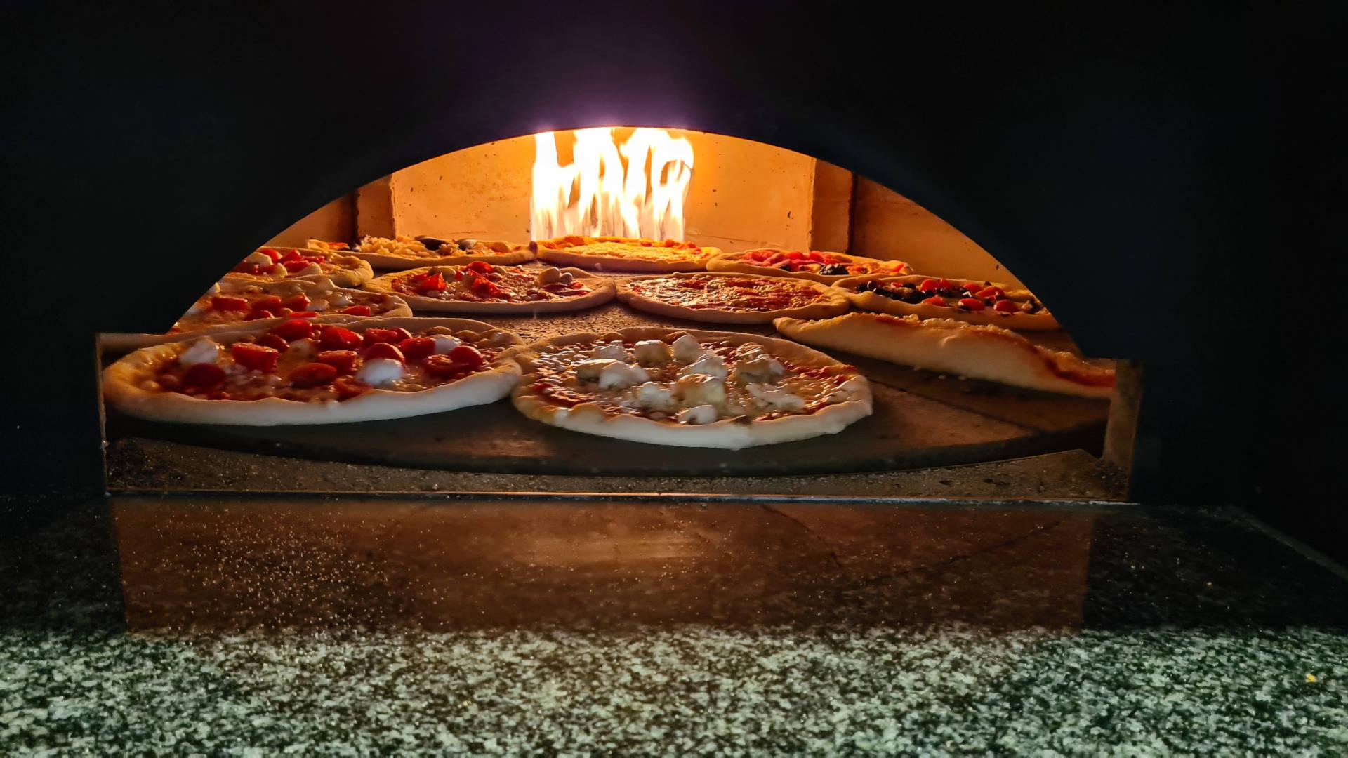 Pizzaofen restaurant obere alp